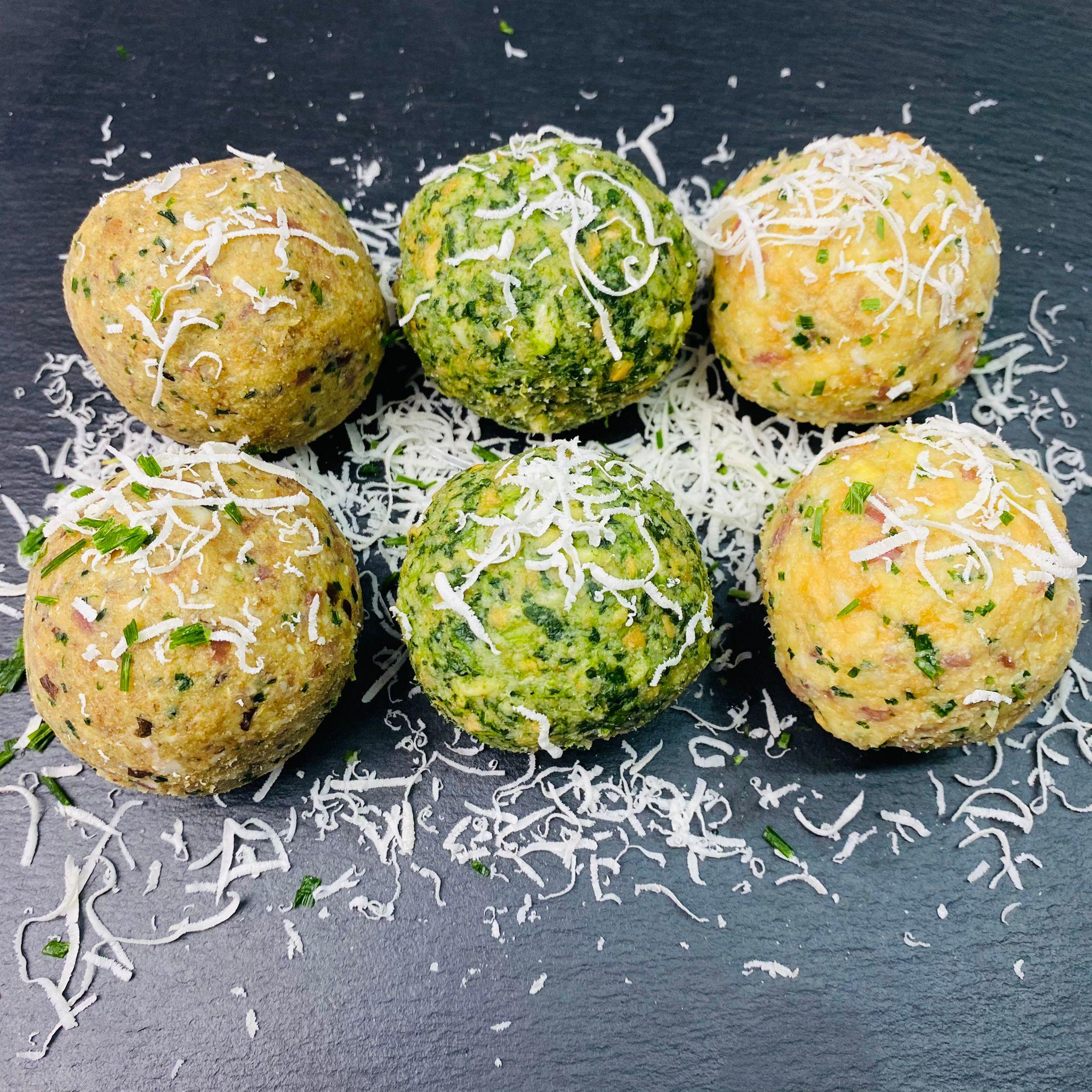 Buchweizen-, Spinat-, und Speck Knödel
