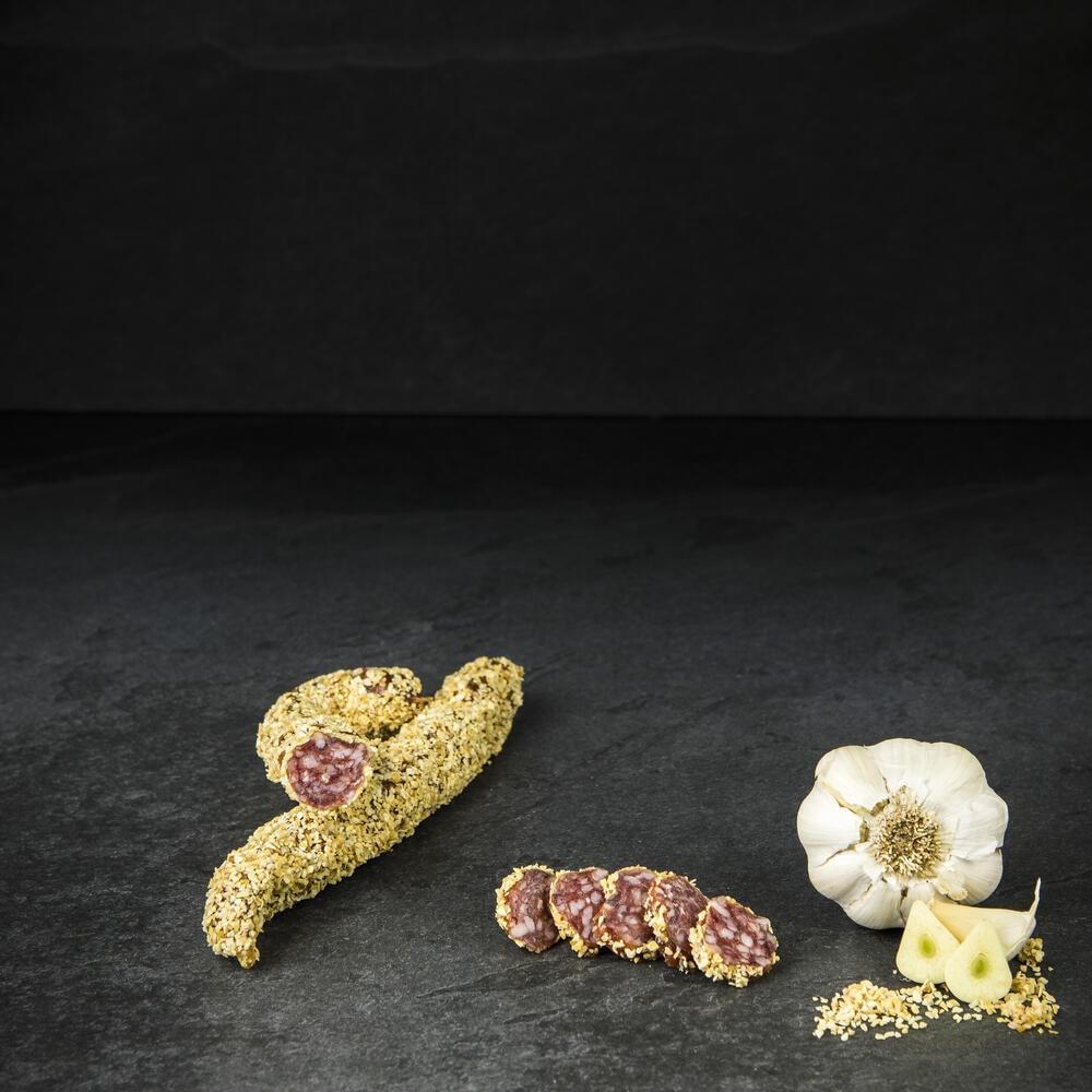 Südtiroler Kaminwurzen im Knoblauchmantel